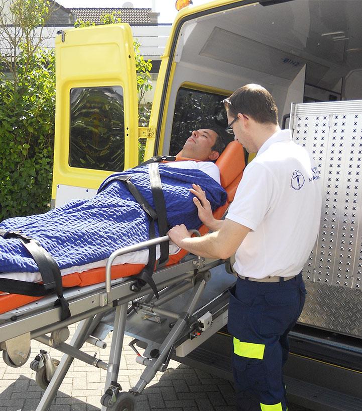Krankenbeförderung_KTS_duelmen_image_009_liegendbefoerderung